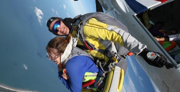 Saut en parachute au dessus d'Étretat