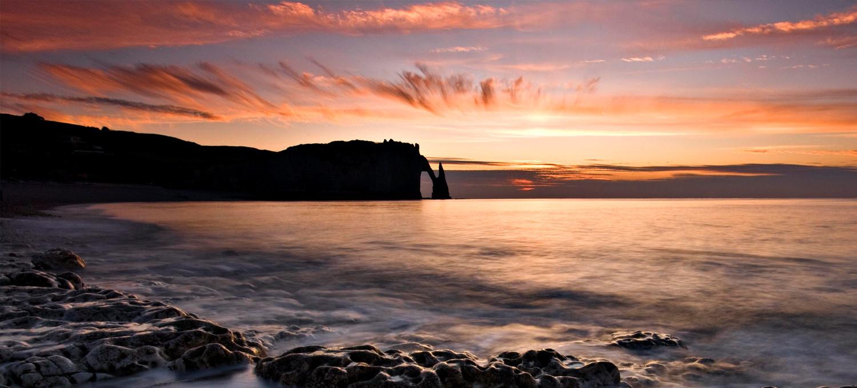 Voir le soleil se coucher etretat de la chapelle seine maritime tourisme 76 - Palpitations le soir au coucher ...