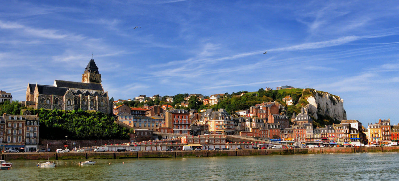 Prendre le funiculaire au tr port et d couvrir les toits du quartier du cordier seine maritime - Office du tourisme du treport ...